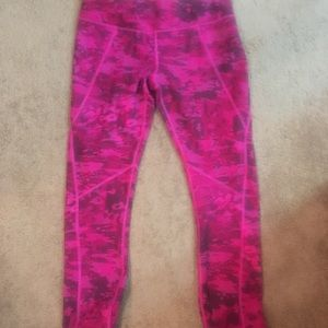 The NorthFace pink camo yoga pants new size M W